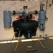 写真・図版 : 小型で垂直離着陸が可能なT―ホーク=筆者提供