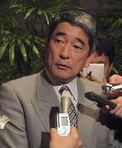 写真・図版 : 首相補佐官当時の岡本行夫氏