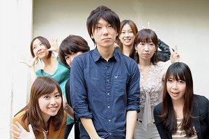 写真・図版 : 古市憲寿さんと論壇女子部