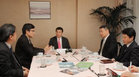 写真・図版 : 採用・教育担当座談会