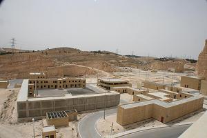 写真・図版 : 中東最大、最新を誇るヨルダンの特殊部隊訓練施設=筆者提供
