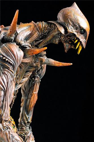 写真・図版 : 竹谷隆之作「巨神兵像」 (c)2012 二馬力・G