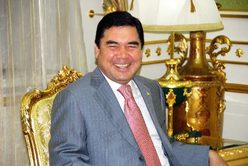 写真・図版 : トルクメニスタンのベルディムハメドフ大統領