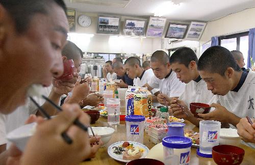 [15]甲子園に行きたければ飯を食え!――食事トレーニングのど迫力