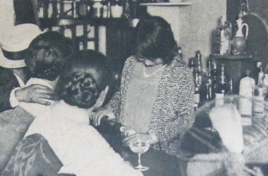 写真・図版 : 大阪式のカフェー=1929(昭和4)年9月11日