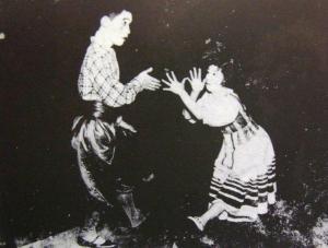 旗揚げ当初のカジノ・フォーリーの舞台(昭和4年)