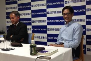 宇野重規さん(左)と湯浅誠さん