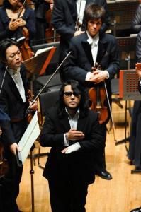 東京芸術劇場で=2010年4月、伊ケ崎忍撮影
