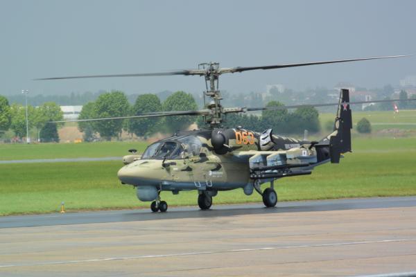 クリモフ製TV3-117VMA エンジンを搭載したカモフKa-50攻撃ヘリ=撮影・筆者