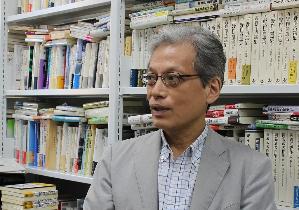 山口二郎氏。「戦後70年で、これまではまったくなかった新しい状況が出現している」