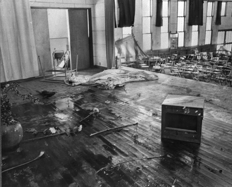 ヘルメット、覆面姿の高校生によって荒らされた東京都立武蔵丘高校の卒業式の会場=1969年3月13日