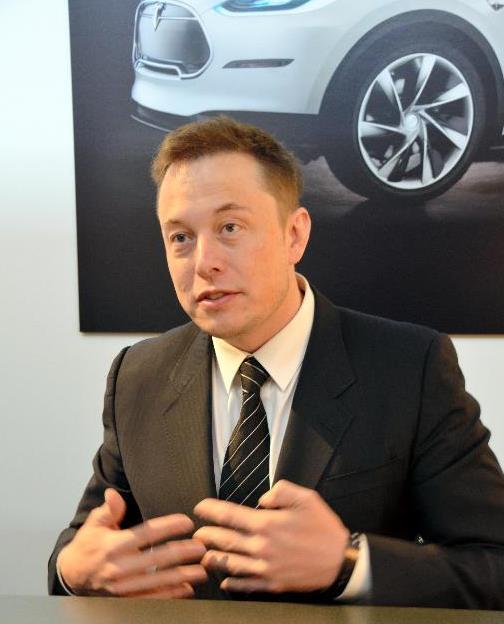 写真・図版 : 米テスラ・モーターズのイーロン・マスク最高経営責任者(CEO) =2013年1月、畑中徹撮影