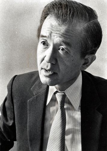 坂本義和氏=1983年