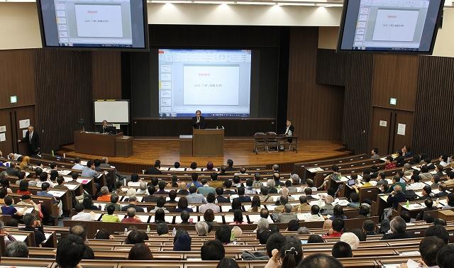 立憲デモクラシーの会による公開講演会=2014年11月7日、早稲田大学