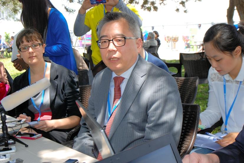 写真・図版 : COP20の中国代表団の蘇偉副団長。インタビューで日本に対し、「野心的な目標を望む。中国だけでなく、世界の期待だ」と述べた。リマで香取啓介撮影