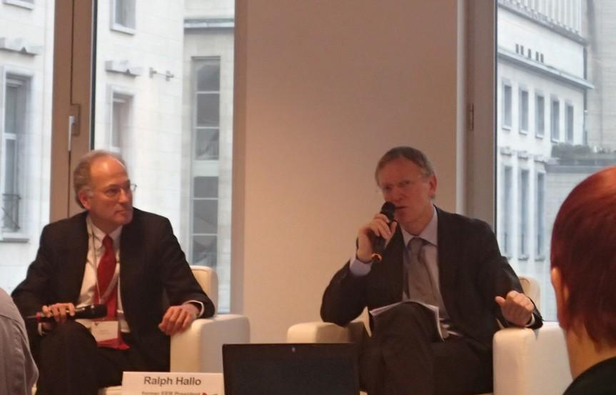ポトチェック氏。右。EU環境委員会の前委員長