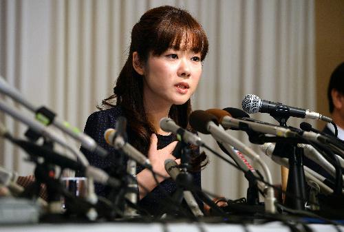 STAP細胞の論文が不正と認定された問題で会見する小保方晴子氏=2014年4月9日