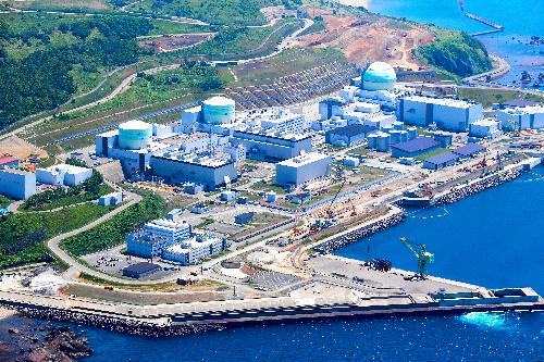 写真・図版 : 北海道電力の泊原発、3基で出力は計207万キロワット