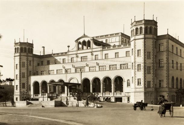 1914年に建てられた満鉄直営の奉天ヤマトホテル。奉天一の格式を誇った1933年