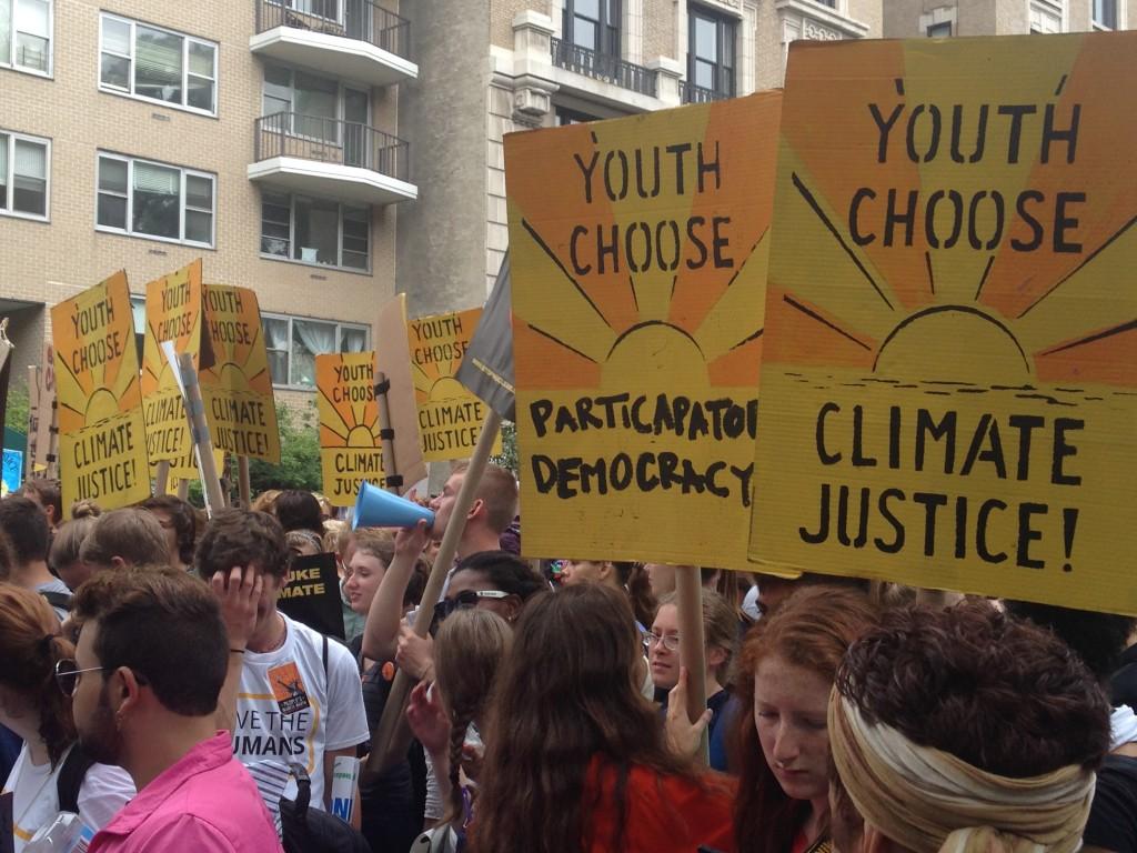 写真2. 「Climate Justice(気候正義)」を訴える若者グループ=筆者撮影