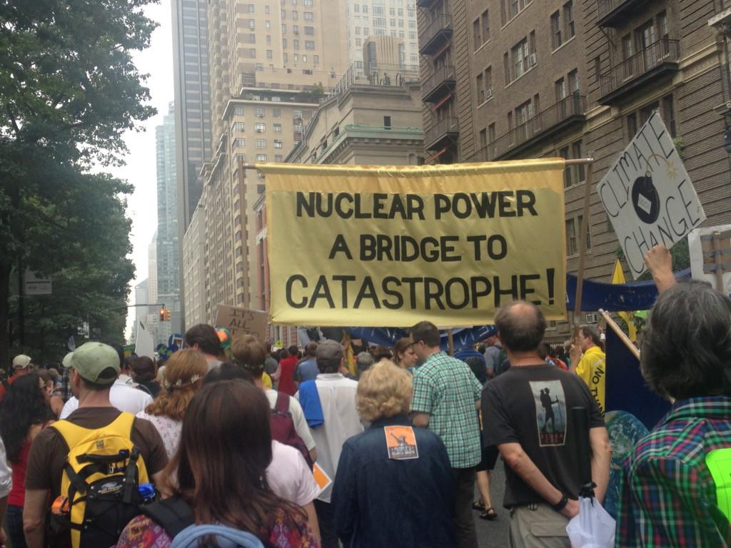 写真4. 原子力発電反対を訴えるグループ=筆者撮影