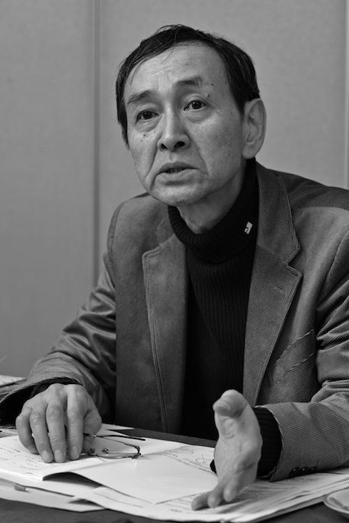 写真・図版 : 外岡秀俊氏(撮影=吉永考宏)