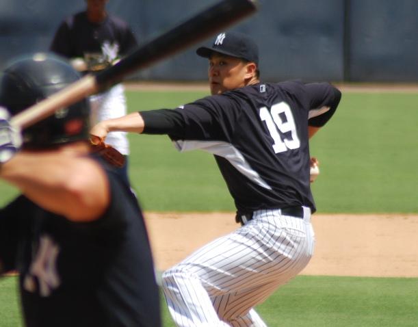マイナーを相手に投球するヤンキースの田中将大=2014年9月16日、米フロリダ州タンパ