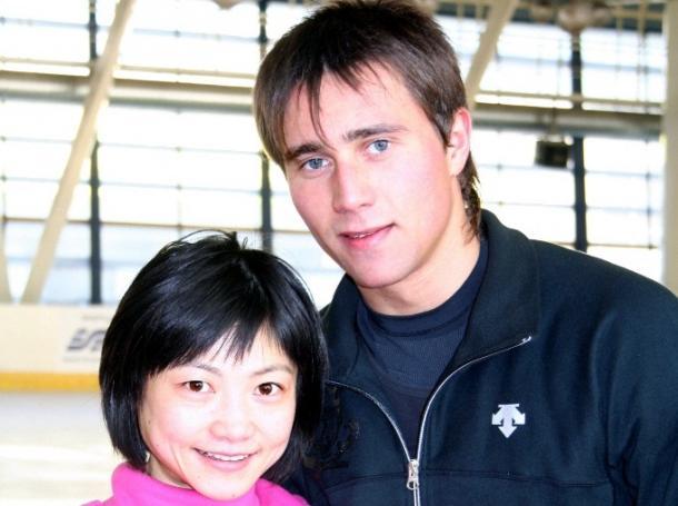 写真・図版 : アレクサンドル・スミルノフと=2009年