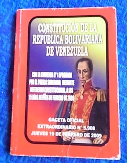 露店で売っていた憲法の小冊子