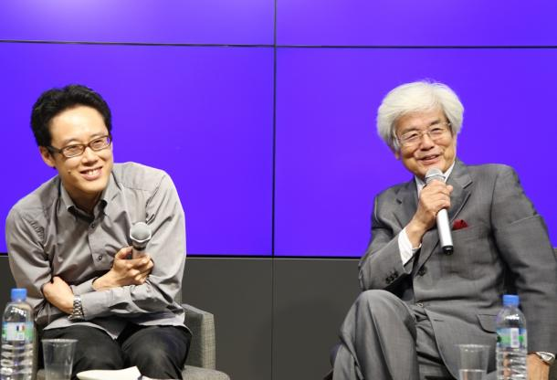 写真・図版 : 白井聡さん(左)と養老孟司さん=2015年5月27日、大阪市北区、撮影・伊藤菜々子