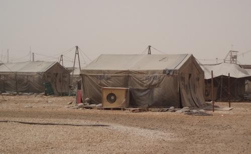 自衛隊が撤退した後のサマワの宿営地=2006年8月、撮影・筆者