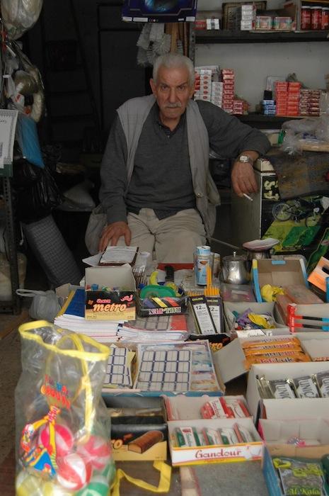 パレスチナ難民60年でレバノンのシャティーラ難民キャンプで話を聞いた難民1世のお年寄り=撮影・筆者