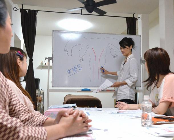 妊活講座ルポ受精から着床にいたる妊娠の仕組みを復習する=長崎市