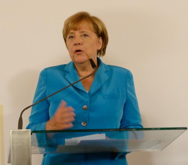 ウィーンで開かれた「西バルカン首脳会議」の記者会見で難民問題を語るドイツのメルケル首相=2015年8月27日