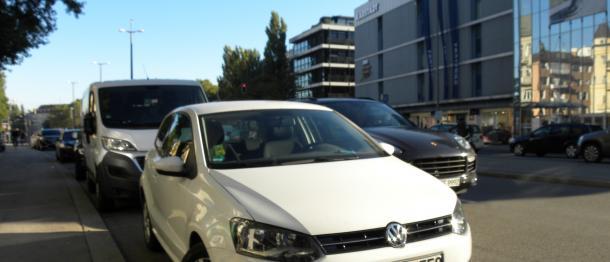 写真・図版 : VWの排ガス不正は、ドイツの多くのドライバーを驚かせた(写真に写っている車両は今回の不正事件とは直接関係ありません)