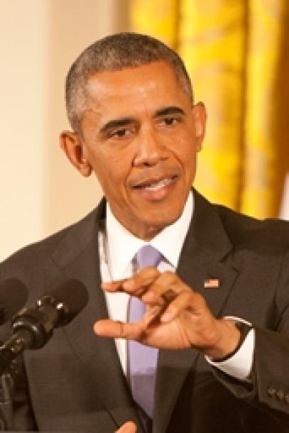 写真・図版 : ホワイトハウスで会見するオバマ大統領=ワシントン、ランハム裕子撮影