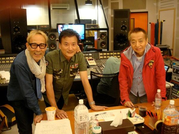 発売するCDのうち数曲の録音を終えた、(左から)植田芳暁、島英二、鳥塚しげきの3人=2015年10月19日、東京都世田谷区