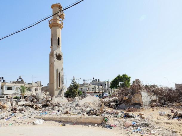 2014年のイスラエルによる大規模工芸で破壊されたモスク=ガザ北部ベイトハヌンで、