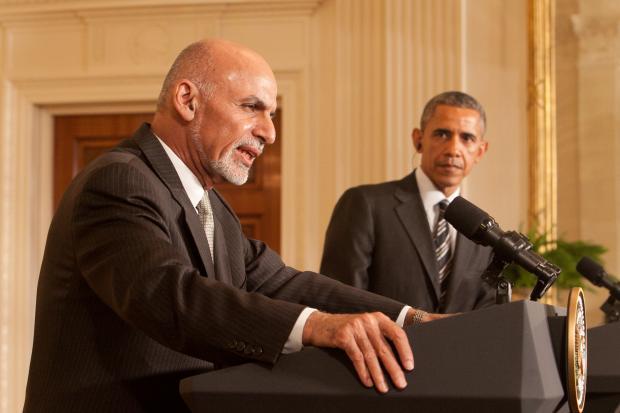 ホワイトハウスで共同会見をするオバマ大統領とガニ大統領=2015年3月、ワシントン、ラハム裕子撮影