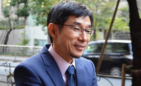 写真家のトシ・カザマさん。モンゴルには被害者遺族を3人連れて行くなどして、大統領や国会議員、裁判官、検察官らと会い、2012年の同国の死刑廃止に貢献した=東京都内