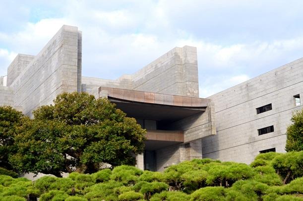 終審裁判所である最高裁判所の庁舎=2012年、東京都千代田区