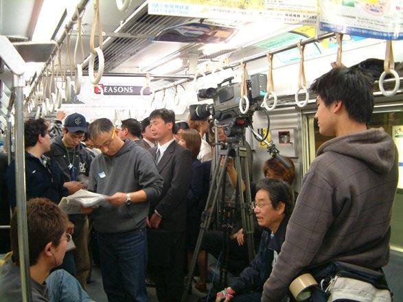 痴漢冤罪ドラマなどのロケの撮影も行われていた北総開発鉄道・公団線=2002年3月、千葉県内