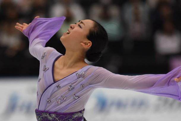 復帰戦となったジャパンオープンで演技する浅田真央