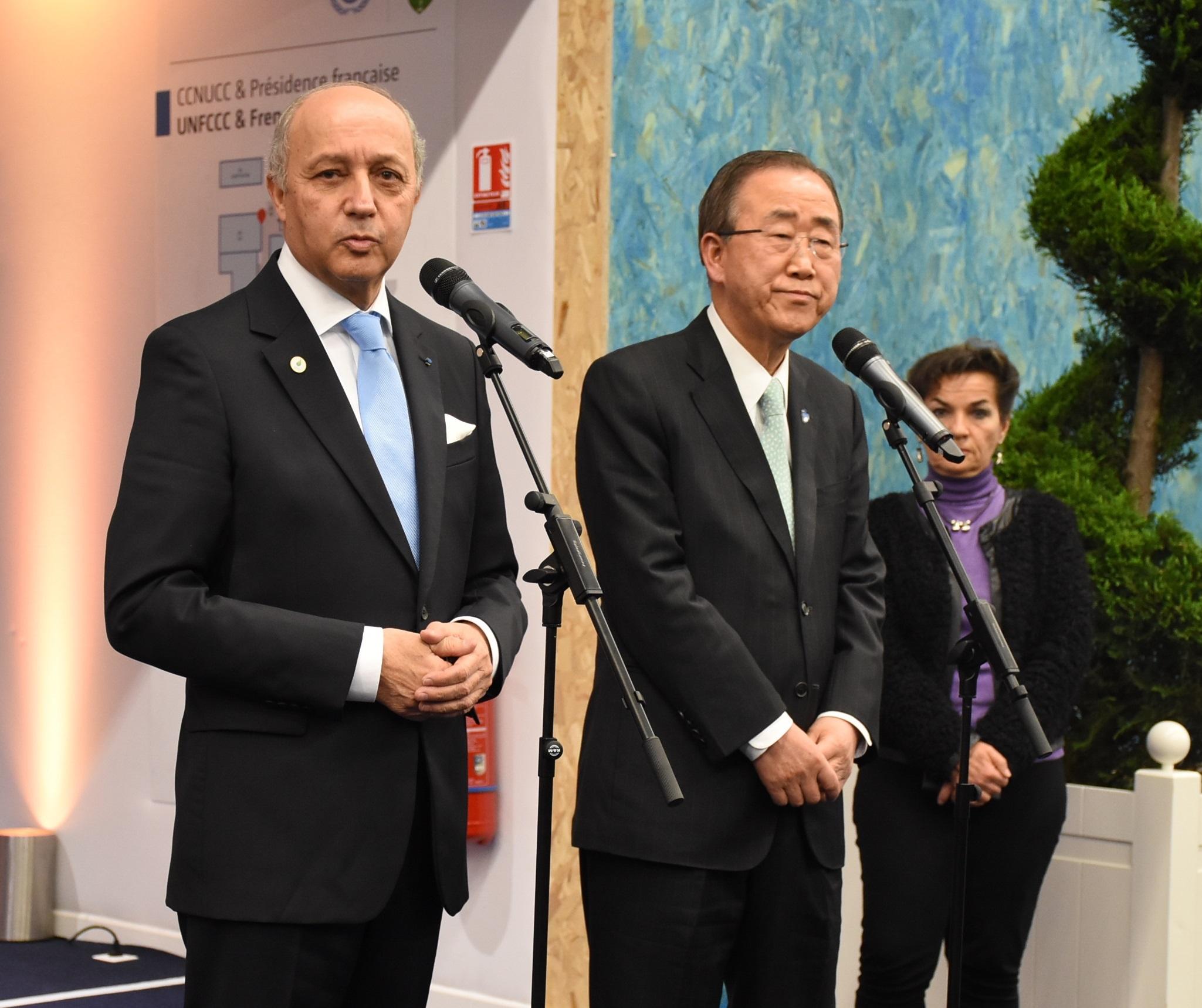 写真・図版 : COP21では、フランスのファビウス外相の議事進行がさえた。