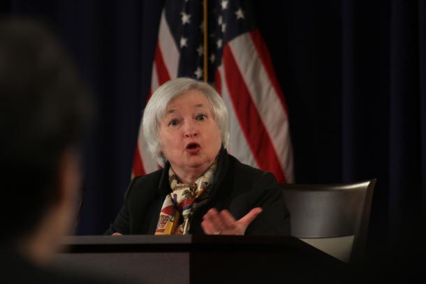 記者会見に臨む米連邦準備制度理事会(FRB)のイエレン議長=2015年3月