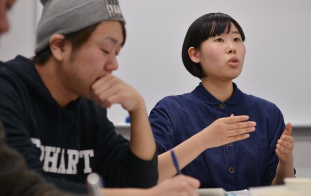 写真・図版 : 千葉泰真さん(左)と是恒香琳さん