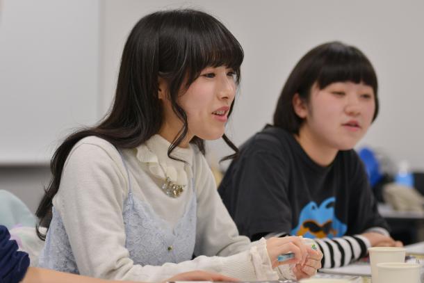 今村幸子さん(左)と安部さくらさん
