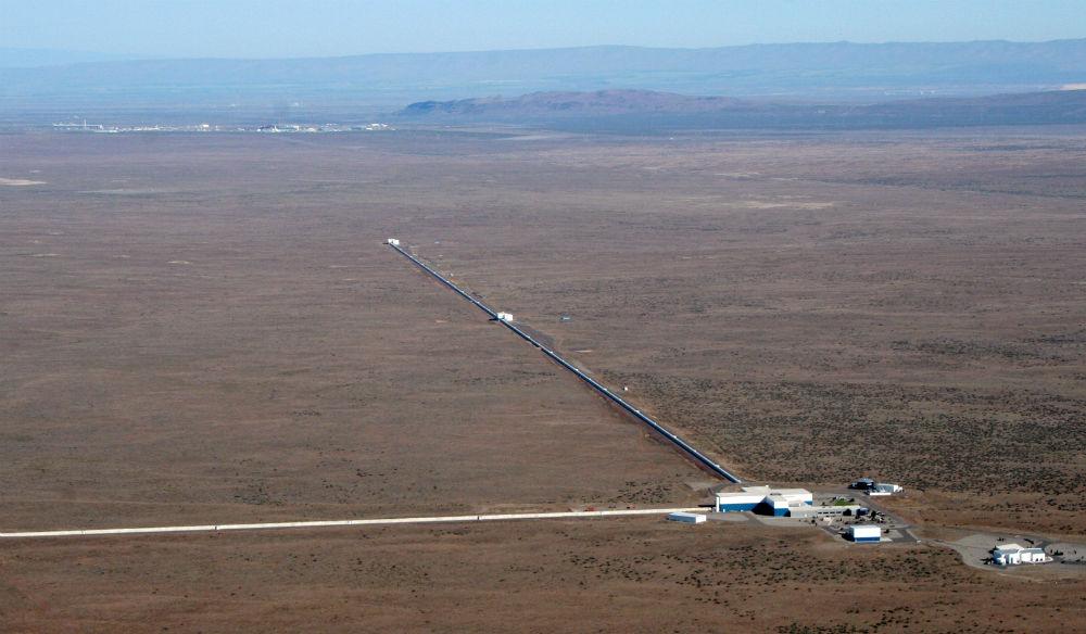 写真・図版 : ワシントン州ハンフォードの重力波検出装置