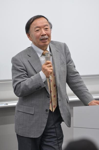 写真・図版 : 千葉眞教授