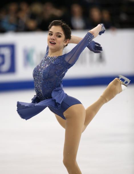 写真・図版 : 優勝したエフゲニア・メドベデワ